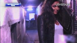 Sexiest Deepika Padukone exposes her curves!! - UTVSTARS HD - YouTube[(002767)19-53-53]