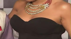 SUSHMITA SEN CLEAVAGE SHOW AT IIJW 2012 FOR BIRDICHAND GHANSHYAMDAS - YouTube[(007301)21-16-14]