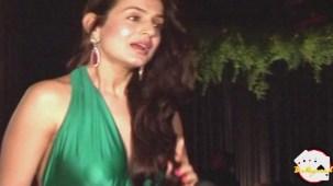 Amisha Patel Unbearable Wardrobe See Through - YouTube(2)[19-14-34]