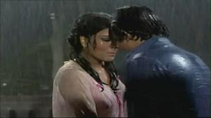 Bheegi Bheegi Raaton Mein - Sexy Bollywood Song - Rajesh Khanna - Ajanabee - YouTube(5)[(001235)20-18-00]