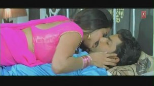 Cholia Mein Rasmalai-Censor Cut (Bhojpuri Hottest Video Song)Feat.Hot & Sexy Monalisa - YouTube[(000139)19-47-19]
