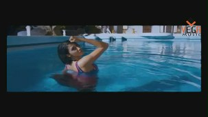 Gayathri in Gola Gola Film (Full Song) - YouTube[(001157)19-48-46]