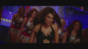 _Ho Gayi Tun (Full HD Song)_ Players _ Abhishek Bachchan _ Bipasha Basu - YouTube(6)[20-48-57]