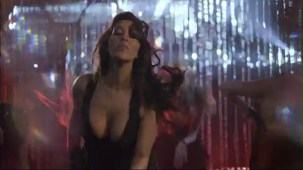 Sophie Choudry - Hungama Ho Gaya - Official Video[(002296)20-15-32]