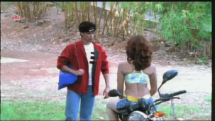 Hot Pillion Rider - Chalak - Scene 2 - YouTube[(000338)20-44-18]