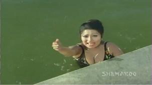 Ganga Ki Saugand - Part 4 Of 14 - Amitabh Bachchan - Rekha - Superhit Bollywood Movies - YouTube(2)[(000847)21-22-57]
