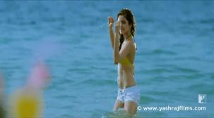 Chaska - Song - Badmaash Company - YouTube[20-13-43]