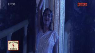 Hum Aur Tum Aur Yeh Samah (Female) song - Aakheer[20-24-26]