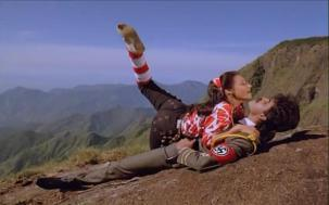 Lip kiss Nagarjuna & Amala[19-41-02]