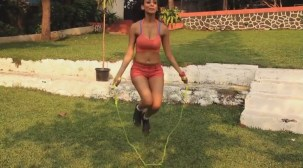 SMOKING Vedita tells us the benefits of Skipping!! - Fitness Guru[20-16-29]