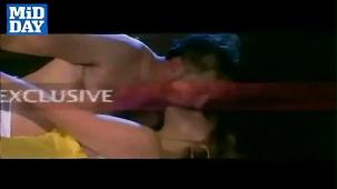 Rajesh Khanna shocks with his dare bare scenes![(000785)20-19-37]