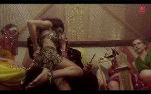 Saaki Saaki Full Song _ Musafir _ Sanjay Dutt _ Koena Mitra - YouTube(2)[20-37-32]