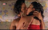 Hot Smooch Between Fardeen & Meghana, Prem Aggan - Scene 8_11[17-40-15]