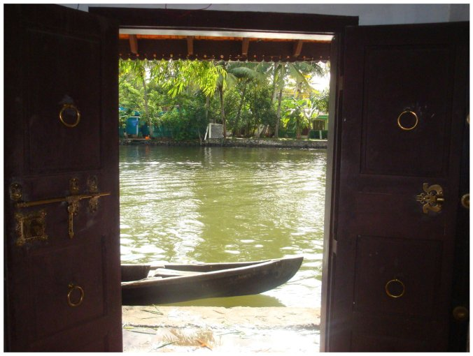 Alleppey home stay opening to the backwaters