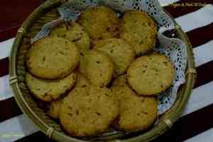 Cumin, Pepper & Herb Oil Cookies
