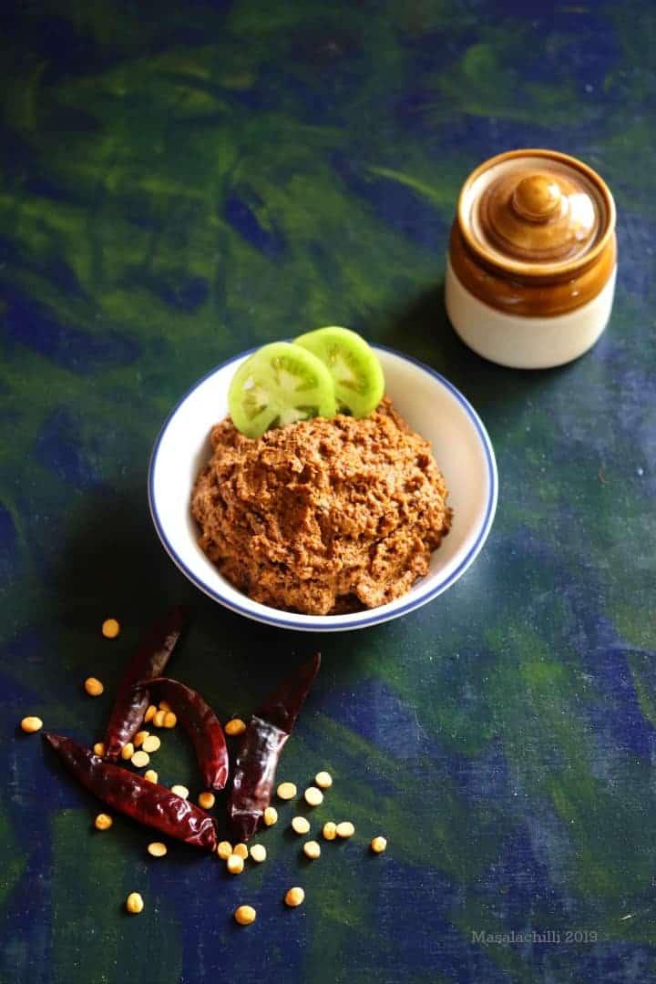 Green Tomato Chutney / Pachai Thakkali Chutney / Thakkali Kaai Chutney