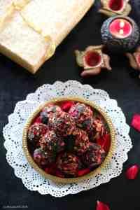 Sugar Free Dates, Rose and Pistachio Ladoos