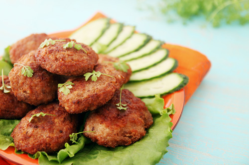 bigstock-Cutlets-With-Cucumber-And-Wate-47010880