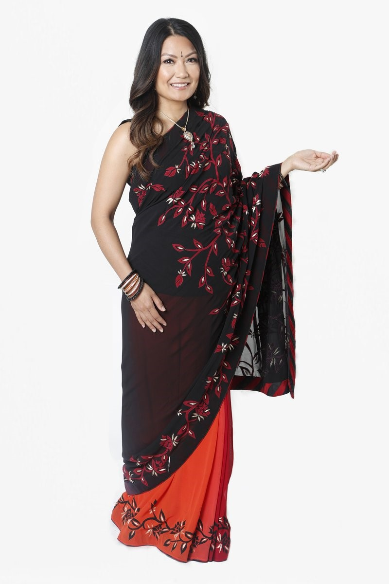 No2_Image 3_Black Ombre Maternity Sari (1)