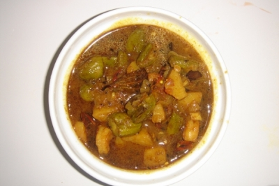 chingri-aloo-potol-curry