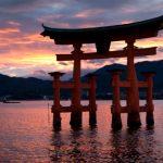 【厳島神社】鳥居の構造や倒れない仕組み!なぜ海の中にあるのか?