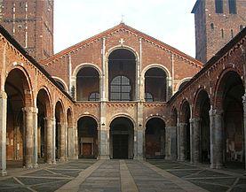 atrio-romanico-en-la-basilica-de-san-ambrosio-milan