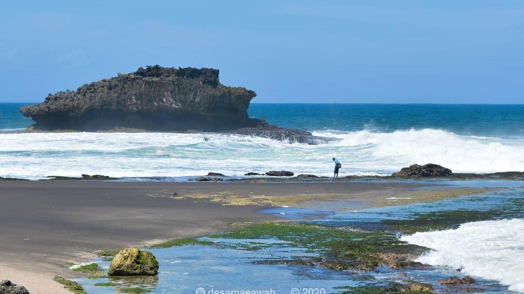 Manfaatkan Libur Panjang, Yuk Kunjungi  Pantai Madasari