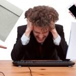 人は我慢を続けると脳の大切な機能が退化する