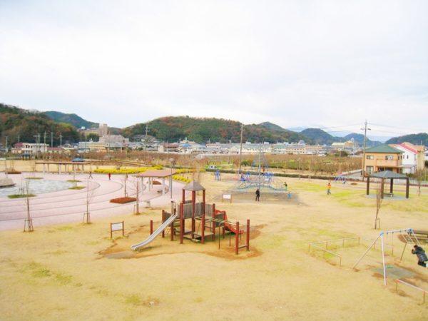 狩野川リバーサイドパークの全景