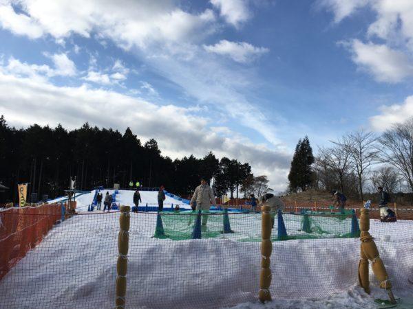 富士山こどもの国の雪遊び場