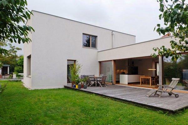 Tips Merenovasi Rumah Menjadi Type Minimalis - Comfortable-rectangular-home-in-the-idyllic-country-of-austria