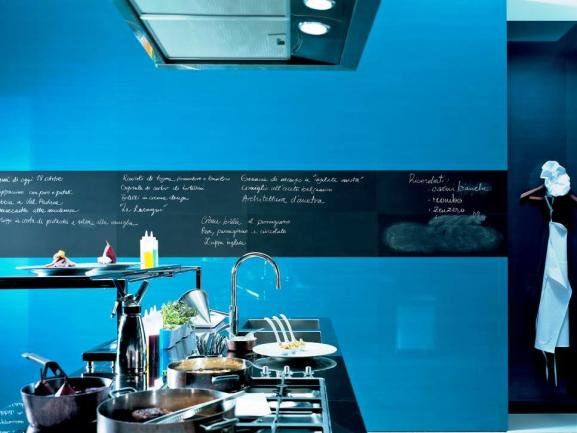Menentukan Warna Cat Dapur Rumah - Fap-Ceramiche-blue-tile-walls-kitchen