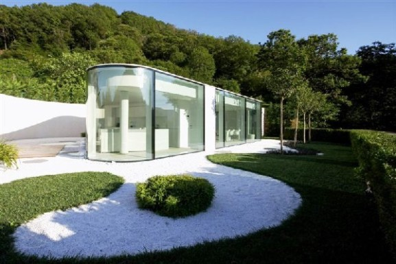 Tips Merenovasi Rumah Menjadi Type Minimalis - Glass-residence-with-an-intriguing-architecture-lake-lugano-house