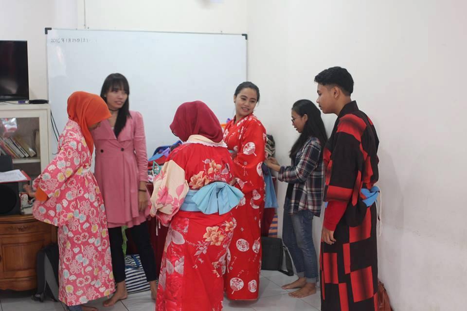 Belajar Bahasa Jepang di Lembaga Tensai Internasional