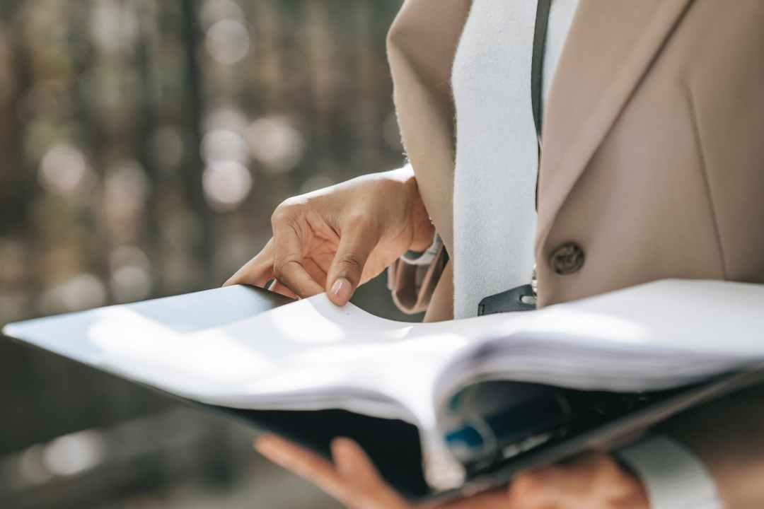 7 Expert Tips For Beginners In Presentation Folder Printing