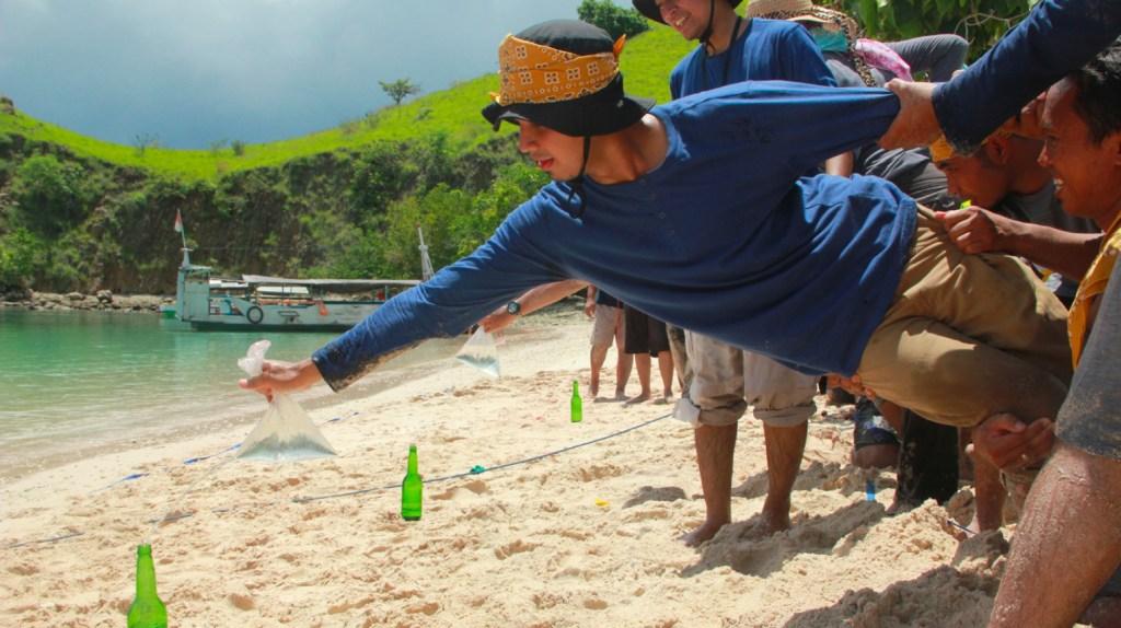 macam macam kegiatan pantai karang jahe rembang