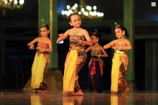 nama nama tarian daerah tradisional Indonesia dan maknanya Tarian Gambyong anak dari daerah Jawa Tengah