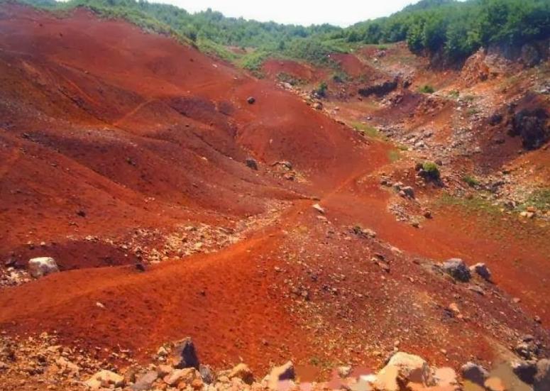 jenis tanah laterit di indonesia