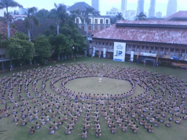 nama nama Tarian Daerah dan Penjelasannya Tarian Kecak dari Bali