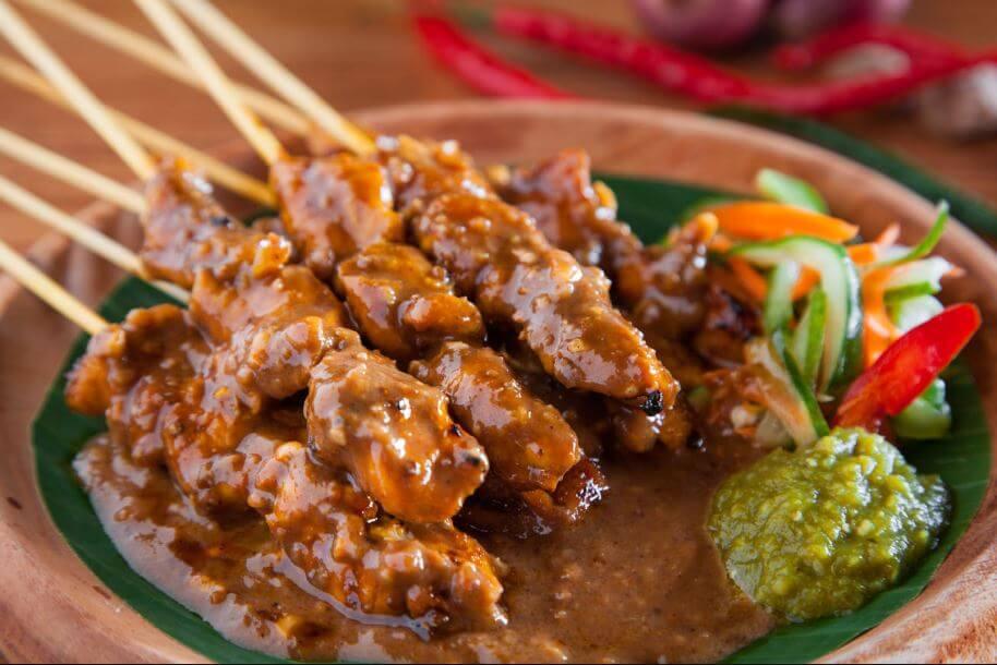 Makanan Khas Blora Jawa Tengah Indonesia sate ayam kuah santen