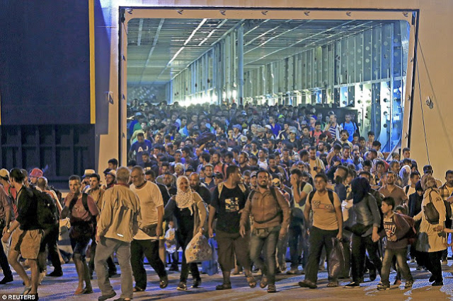Eu Europe Migrants Refugees Overwhelmingly Make Syria Crisis Masculine Epic