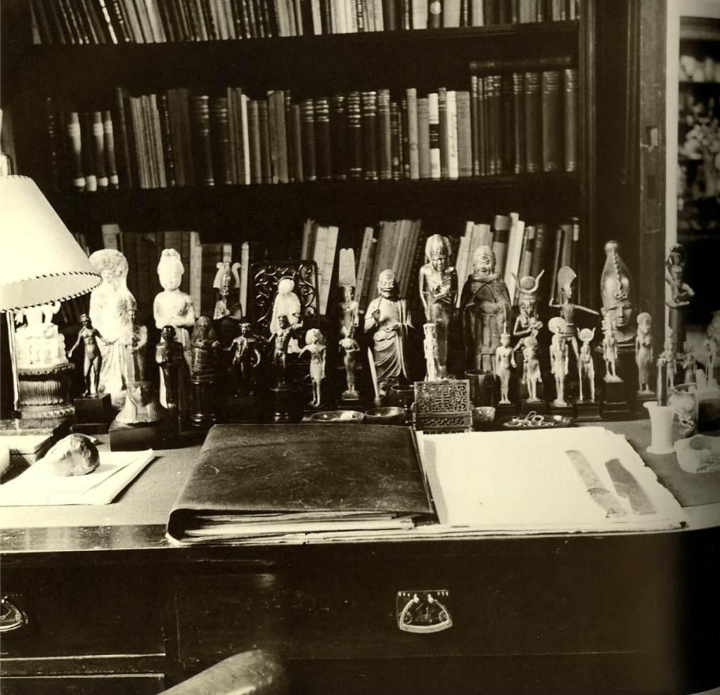 Freud_s_Desk