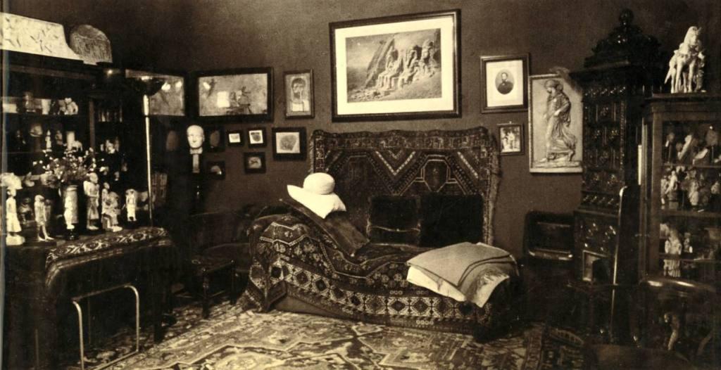 Sigmund Freud's psychoanalytic office in Vienna