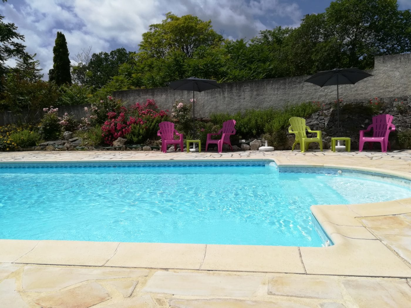 spa jacuzzi piscine lot dordogne détente famille