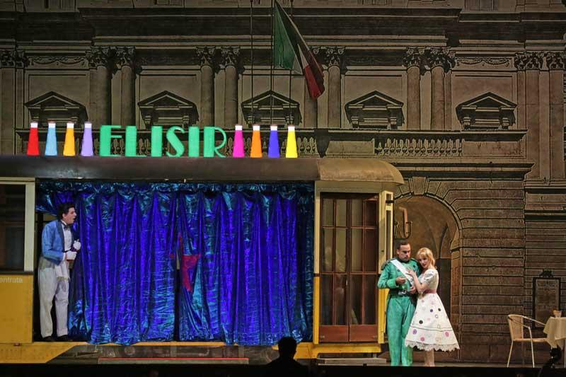 un momento dello spettacolo Elisir d'amore per i bambini - Photo credit: Brescia/Amisano – Teatro alla Scala
