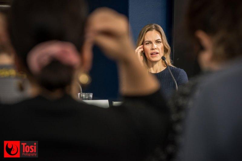 Hilary Swank risponde alle domande del pubblico di Locarno 72 © Tosi Photography