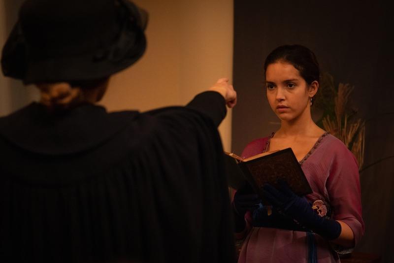 Lyna Khoudri e in una scena del film La Place d'une Autre. Photo: courtesy of Locarno Film Festival.