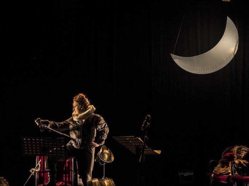 Un momento di Variazioni Furiose, lo spettacolo in arrivo Teatro Fontana. Photo © Lorenza Daverio.