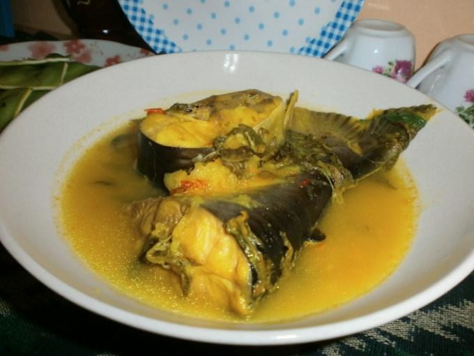Gulai ikan patin berasal dari daerah Jambi