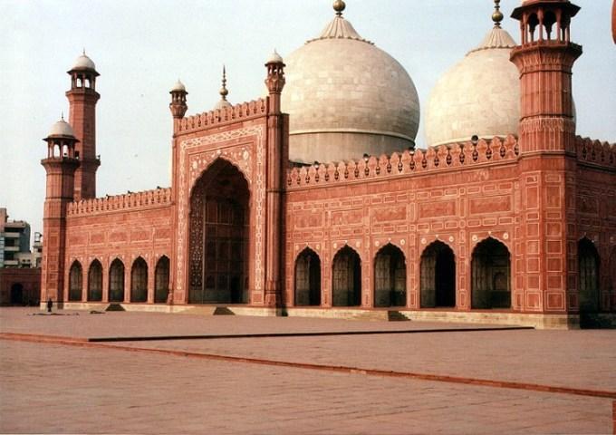 Masjid Badshahi yang Berada di Pakistan